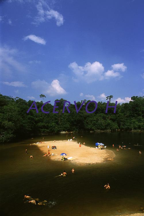 balneário do rio Preto em Candeias do Jamari - Rondônia<br />dezembro de 2003