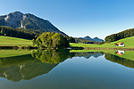 Deutschland, Bayern, Oberbayern, Chiemgau: der Froschsee zwischen Ruhpolding und Inzell | Germany, Upper Bavaria, Chiemgau: Frosch Lake between Ruhpolding and Inzell
