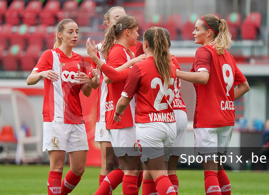 Standard players celebrate their team's goal during a female soccer game between Standard Femina de Liege and KRC Genk Ladies  on the third matchday of the 2020 - 2021 season of Belgian Womens Super League , Saturday 3 rd of October 2020  in Liege , Belgium . PHOTO SPORTPIX.BE | SPP | SEVIL OKTEM