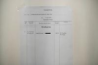 """Am Donnerstag den 7. April 2016 begann vor dem 1. Strafsenat des Berliner Kammergerichts die Hauptverhandlung gegen den 30-jaehrigen Gadzhimurad K. wegen des Verdachts der Werbung fuer die Terrororganisation """"Islamischer Staat"""" (IS). Dem Angeklagten wird ferner die Billigung von Straftaten durch den IS vorgeworfen.<br /> Der Angeklagte, ein Berliner Imam, soll im November 2014 im Internet ein von ihm selbst erstelltes Video mit dem Titel """"Haerte im Jihad"""" veroeffentlicht haben, in dem er der Terrororganisation IS huldige und in Form einer Predigt für die Teilnahme am bewaffneten Kampf des IS werbe. Weiter soll er im Mai 2015 in einem Interview die Toetung eines gefangenen jordanischen Piloten und eines in Syrien entfuehrten US-amerikanischen Journalisten durch den IS religioes gerechtfertigt und gebilligt haben.<br /> Gadzhimurad K. soll eine enge Kontaktperson der Mitglieder eines Berliner Moscheevereins, Ismet D. und Emin F., sein, gegen die bereits seit dem 8. Januar 2016 vor dem Kammergericht wegen des Verdachts der Unterstuetzung einer auslaendischen terroristischen Vereinigung verhandelt wird.<br /> 7.4.2016, Berlin<br /> Copyright: Christian-Ditsch.de<br /> [Inhaltsveraendernde Manipulation des Fotos nur nach ausdruecklicher Genehmigung des Fotografen. Vereinbarungen ueber Abtretung von Persoenlichkeitsrechten/Model Release der abgebildeten Person/Personen liegen nicht vor. NO MODEL RELEASE! Nur fuer Redaktionelle Zwecke. Don't publish without copyright Christian-Ditsch.de, Veroeffentlichung nur mit Fotografennennung, sowie gegen Honorar, MwSt. und Beleg. Konto: I N G - D i B a, IBAN DE58500105175400192269, BIC INGDDEFFXXX, Kontakt: post@christian-ditsch.de<br /> Bei der Bearbeitung der Dateiinformationen darf die Urheberkennzeichnung in den EXIF- und  IPTC-Daten nicht entfernt werden, diese sind in digitalen Medien nach §95c UrhG rechtlich geschuetzt. Der Urhebervermerk wird gemaess §13 UrhG verlangt.]"""