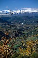 Europe/France/Auvergne/63/Puy-de-Dôme/Parc Naturel Régional des Volcans/Puy du Sancy: Le Puy de Sancy (1885mètres) vu depuis les environs de Saint Nectaire