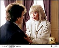 Prod DB © Gaumont / DR<br /> LE TELEPHONE ROSE (LE TELEPHONE ROSE) de Edouard Molinaro 1975 FRA<br /> avec Mireille Darc<br /> secouer, chahuter, dispute, couple<br /> scenario de Francis Veber