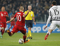 Calcio, andata degli ottavi di finale di Champions League: Juventus vs Bayern Monaco. Torino, Juventus Stadium, 23 febbraio 2016. <br /> Bayern's Arjen Robben, left, kicks to score as he is challenged by Juventus' Andrea Barzagli during the Champions League first leg round of 16 football match between Juventus and Bayern at Turin's Juventus Stadium, 23 February 2016.<br /> UPDATE IMAGES PRESS/Isabella Bonotto