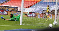 MEDELLIN - COLOMBIA, 10–04-2021: Ricardo Jerez de Alianza Petrolera no puede detener el disparo de Matias Mier (Fuera de Cuadro), de Deportivo Independiente Medellin para anotar gol de su equipo durante partido de la fecha 18 entre Deportivo Independiente Medellin y Alianza Petrolera por la Liga BetPLay DIMAYOR I 2021 jugado en el estadio Atanasio Girardot de la ciudad de Medellin. / Ricardo Jerez of Alianza Petrolera can´t stop the shoot of Matias Mier (Out of Frame) of Deportivo Independiente Medellin for scored a goal of his team during a match of the 18th date between Deportivo Independiente Medellin and Alianza Petrolera for the BetPLay DIMAYOR I 2021 League played at the Atanasio Girardot Stadium in Medellin city. / Photo: VizzorImage / Donaldo Zuluaga / Cont.