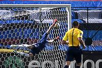 BOGOTA - COLOMBIA -21 -10-2016: Carlos Peralta (Fuera de Cuadro) jugador de La Equidad, anota gol a Rafael Garcia, portero Boyaca Chico FC, durante partido entre La Equidad y Boyaca Chico FC, por la fecha 17 de la Liga Aguila II-2016, jugado en el estadio Metropolitano de Techo de la ciudad de Bogota. / Carlos Peralta, player of La Equidad, (Out of Pic) scored goal to Rafael Garcia, goalkeeper of Boyaca Chico FC, during a match La Equidad and Boyaca Chico FC, for the  date 17 of the Liga Aguila II-2016 at the Metropolitano de Techo Stadium in Bogota city, Photo: VizzorImage  / Luis Ramirez / Staff.