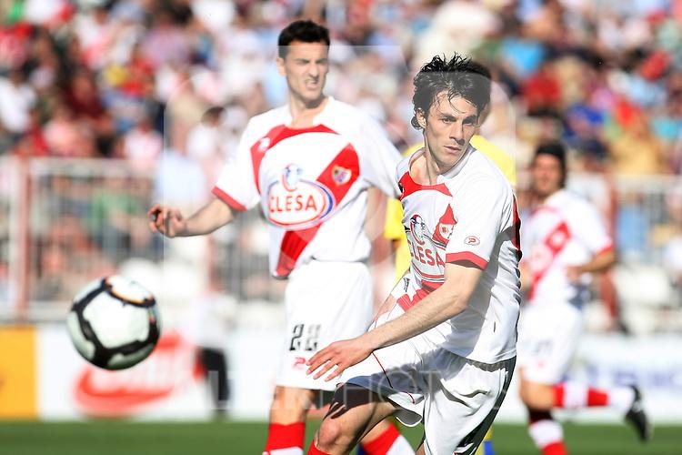 Rayo Vallecano's Sergio Pelegrin during La Liga 2th Division match, April 10 2010. (ALTERPHOTOS/Acero).