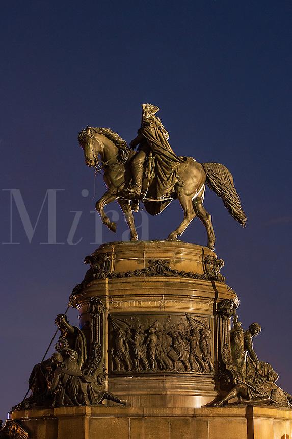 Washington Monument sculpture at Eakins Oval, Philadelphia, Pennsylvania, USA