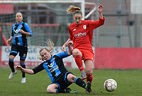 20180127 - AALTER , BELGIUM : Brugge's Elle Decorte (left) pictured in a duel with Standard's Charlotte Cranshoff during the quarter final of Belgian cup 2018 , a womensoccer game between Club Brugge Dames and Standard Femina de Liege , in Aalter , saturday 27 th January 2018 . PHOTO SPORTPIX.BE | DAVID CATRY