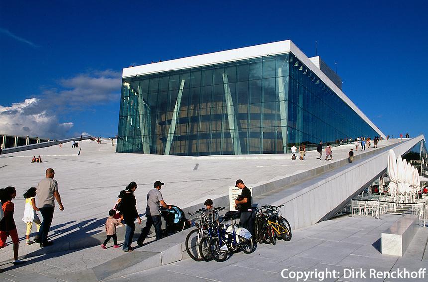 Norwegen, Oslo, Oper (Operahuset) in der Bjrrvika-Bucht erbaut vom Büro Snrhetta