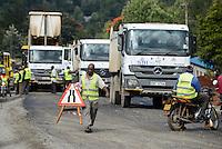 KENYA Kericho, road construction Highway Nairobi to Kisumu / KENIA Kericho, Strassenbau Strecke Nairobi - Kisumu