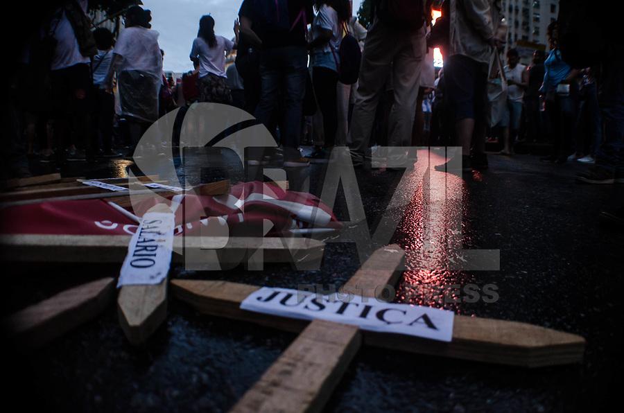 RIO DE JANEIRO, RJ - 15.05.2019 - PROTESTO-RJ - Protesto contra o cortes de verbas na educação, a concentração teve inicio na Igreja da Candelária e caminhou até a Central do Brasil, região central do Rio de Janeiro (15)  (Foto: Vanessa Ataliba/Brazil Photo Press)
