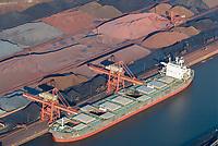 Hansaport im Hafen Hamburg: EUROPA, DEUTSCHLAND, HAMBURG, (EUROPE, GERMANY), 22.01.2006 Erz Verladung  im Hansaport Hamburg