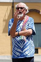 Padre Alex Zanotelli <br /> Roma 10/07/2018. Digiuno e Presidio di missionari e religiosi per protestare contro le politiche di Salvini sui migranti.<br /> Rome 10th of July. 10 days fasting for priests, nouns, missionaries and religious people to protest against Salvini politics bout migrants .<br /> Foto Samantha Zucchi Insidefoto