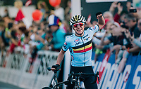 Remco Evenpoel (BEL) wins the MEN JUNIOR ROAD RACE & thus takes his 2nd rainbow jersey in just a few days (after winning the Juniors TT race as wel)<br /> <br /> Kufstein to Innsbruck: 132.4 km<br /> <br /> UCI 2018 Road World Championships<br /> Innsbruck - Tirol / Austria