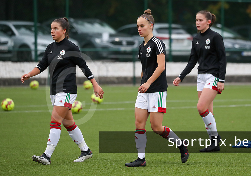 (Left to right) Luna Vanzeir of OHL (10) and Marith De Bondt of OHL (31)  during the warm up before a female soccer game between Oud Heverlee Leuven and Femina White Star Woluwe  on the 5 th matchday of the 2020 - 2021 season of Belgian Womens Super League , Sunday 18 th of October 2020  in Heverlee , Belgium . PHOTO SPORTPIX.BE | SPP | SEVIL OKTEM