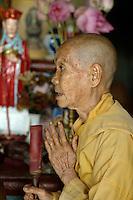 Nonne in Bien Hoa, Vietnam