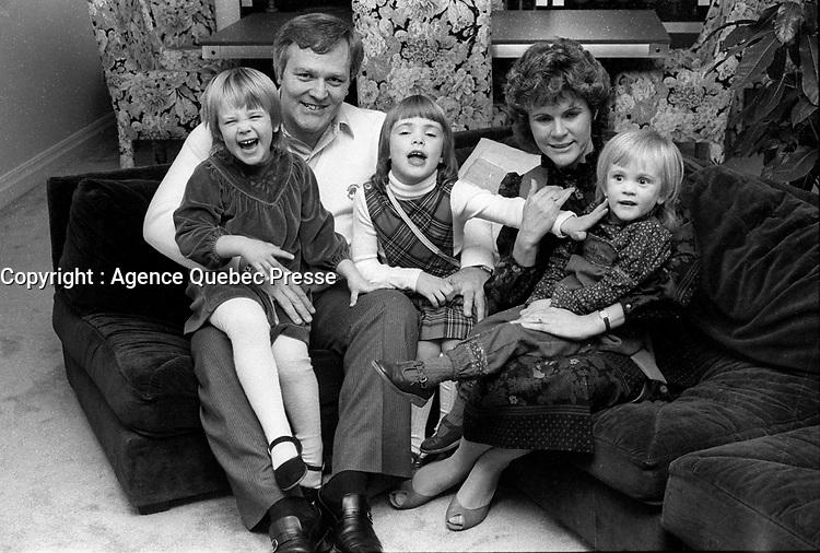 Marcel Aubut et sa famille, ves 1972<br /> <br /> PHOTO :   agence Quebec Presse
