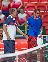 The Hague, The Netherlands, September 17, 2017,  Sportcampus , Davis Cup Netherlands - Chech Republic, Fifth match : Lukas Rosol (CZE) is supported by his captain Navratil<br /> Photo: Tennisimages/Henk Koster