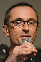 Bertrand Lenotre, Podemus, at the Les Blog conference in Paris December 2005 on blogging, new media and internet strategy