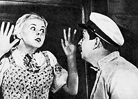 Девушка с характером (1939)