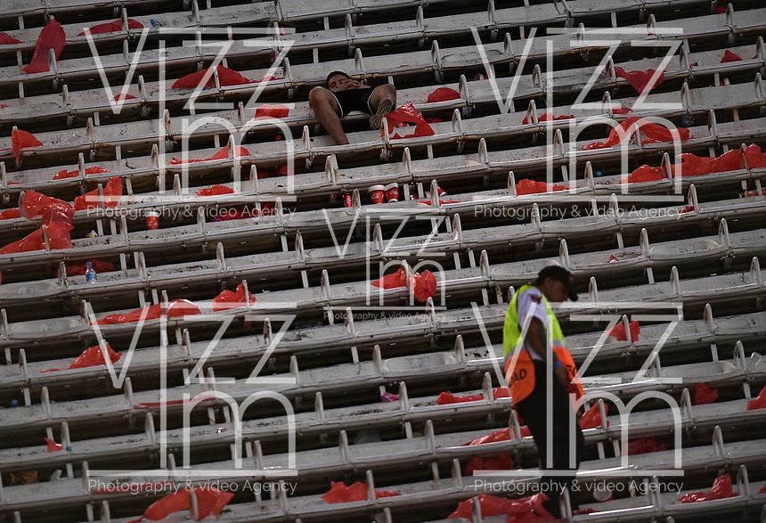 BUENOS AIRES - ARGENTINA, 24-11-2018: Partido suspendido entre River Plate (ARG) y Boca Juniors (ARG) por la final vuelta de la Copa Conmebol Libertadores 2018 que se debía jugar hoy, 24 de noviembre de 2018, en el estadio Antonio Vespucio Liberti  Monumental en la ciudad de Buenos Aires. El partido fue suspendido después que los jugadores de Boca fueran heridos por hinchas del River con botellas y gases pimineta durante su traslado al estadio./ Suspended second leg final match of the Copa Conmebol Libertadores 2018 between River Plate (ARG) and Boca Juniors (ARG) that should be play today, november 24, 2018, at Antonio Vespucio Liberti  Monumental stadium in Buenos Aires city. The match was suspended due to injured players of Boca Juniors after fans stoned the team's bus and threw tear gas to the players. Photo: VizzorImage / Javier Garcia Martino / Photogamma / Cont