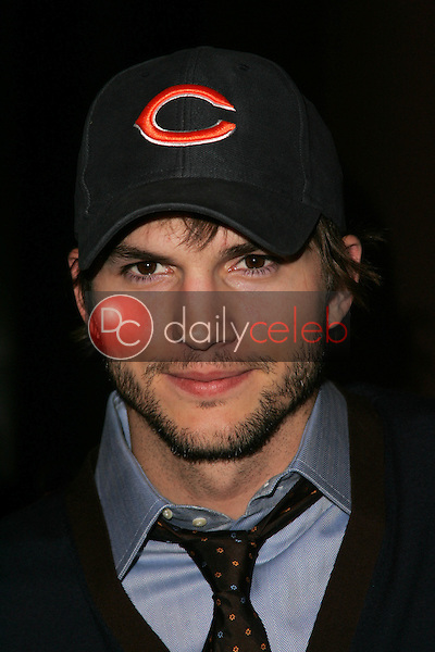 """Ashton Kutcher<br />at the Los Angeles Premiere of """"Ithuteng"""". Director's Guild of America, Los Angeles, CA. 11-15-06<br />Dave Edwards/DailyCeleb.com 818-249-4998"""