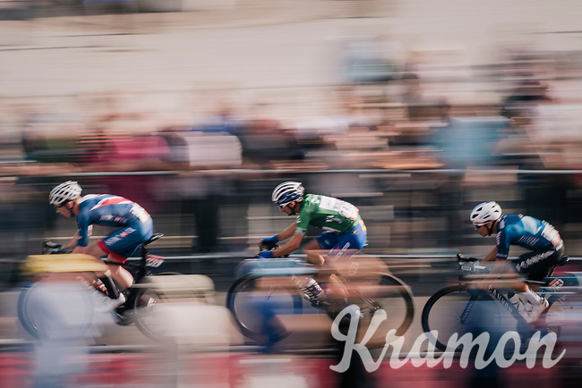 GC leader Julian Alaphilippe (FRA/Quick-Step Floors) speeding<br /> <br /> Stage 8: London to London (77km)<br /> 15th Ovo Energy Tour of Britain 2018