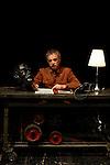"""Franco Branciaroli, fotografato per La Stampa, durante le prove dello spettacolo teratrale: """"Processo e morte di Stalin""""<br /> Milano 12 giugno 2011"""
