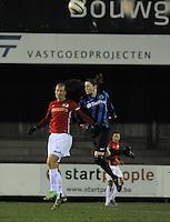 Club Brugge Vrouwen - PSV Eindhoven :<br /> <br /> kopbalduel tussen Heleen Jaques (R) en Lisanne Vermeulen (L)<br /> <br /> foto Dirk Vuylsteke / Nikonpro.be