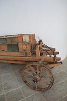 Cart for the migration of the hives.///Chariot pour la transhumance des ruches.