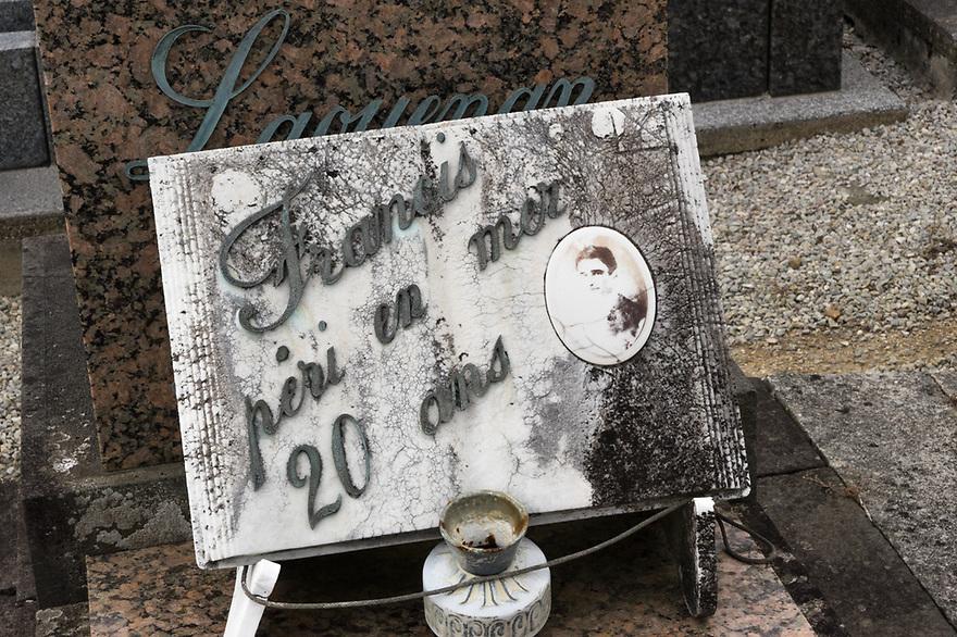 Camaret sur Mer - Bretagna, 22 agosto 2020. Il vecchio cimitero. Francis, morto in mare a 20 anni.