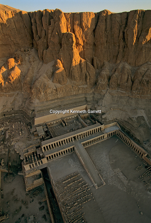 Deir el Bahri; Hatshepsut,Tutankhamun and the Golden Age of the pharaohs, Page 24