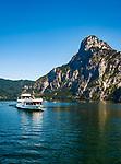 Oesterreich, Oberoesterreich, Salzkammergut, Traunkirchen am Traunsee: Traunsee-Schifffahrt vor dem Traunstein (1.691 m) | Austria, Upper Austria, Salzkammergut, Traunkirchen at Lake Traun: with summit Traunstein (1.691 m)
