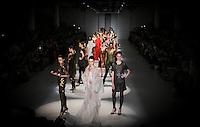 SAO PAULO, SP, 22 MARÇO 2013 - SPFW - LINO VILLAVENTURA - Desfile da grife Lino Villaventura durante o São Paulo Fashion Week ( SPFW ) Verão 2013 e 2014 realizado no Espaço da Bienal no Parque do Ibirapuera em São Paulo (SP), nesta sexta-feira (22). (FOTO: VANESSA CARVALHO / BRAZIL PHOTO PRESS).