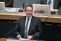 """Plenarsitzung des Berliner Abgeordnetenhaus am Donnerstag den 14. Januar 2021.<br /> Im Bild: Andreas Wild, fraktionsloser Abgeordneter spricht in der Aktuellen Stunde zum Tagesordnungspunkt Coronahilfen fuer die Bevoelkerung und Wirtschaft.<br /> Er wurde 2017 aus der Fraktion der sog. """"Alternative fuer Deutschland"""" im Abgeordnetenhaus ausgeschlossen, ist aber im Kreisverband Steglitz_Zehlendorf der stellv. Vorsitzende der AfD.<br /> 14.1.2021, Berlin<br /> Copyright: Christian-Ditsch.de"""
