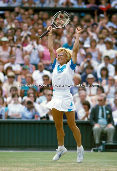 1987,Wimbledon,Martina Navratilova wins Wimbledon