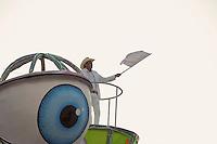 SAO PAULO, SP, 19 DE FEVEREIRO 2012 - CARNAVAL SP - TOM MAIOR - Frank Aguiar da escola de samba Tom Maior na segunda noite do Carnaval 2012 de São Paulo, no Sambódromo do Anhembi, na zona norte da cidade, neste domingo. (FOTO: RICARDO LOU  - BRAZIL PHOTO PRESS).