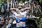 Matteo Trentin (ITA) Mitchelton-Scott takes an ice pack to cool down as the temperatures hit 40 degrees during Stage 16 of the 2019 Tour de France running 177km from Nimes to Nimes, France. 23rd July 2019.<br /> Picture: ASO/Pauline Ballet   Cyclefile<br /> All photos usage must carry mandatory copyright credit (© Cyclefile   ASO/Pauline Ballet)