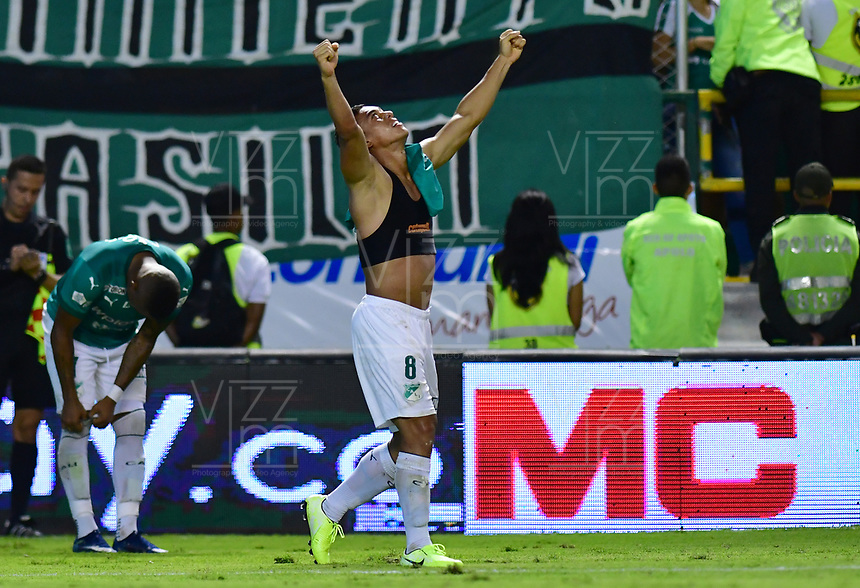 PALMIRA - COLOMBIA, 08-02-2020: Carlos Lizarazo del Cali celebra después de anotar el segundo gol de su equipo durante partido entre Deportivo Cali y América de Cali por la fecha 4 de la Liga BetPlay DIMAYOR I 2020 jugado en el estadio Deportivo Cali de la ciudad de Palmira. / Carlos Lizarazo of Cali celebrates after scoring the second goal of his team during match between Deportivo Cali and America de Cali for the date 4 as part of BetPlay DIMAYOR League I 2020 played at Deportivo Cali stadium in Palmira city . Photo: VizzorImage / Nelson Rios / Cont