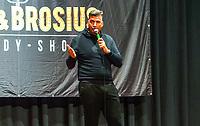 Gross-Gerau 19.09.2020: Comedy Abend in der Stadthalle<br /> Peter Kunz beim gemeinsamen Comedy-Programm mit Luca Brosius<br /> Foto: Vollformat/Marc Schüler, Schäfergasse 5, 65428 R'heim, Fon 0151/11654988, Bankverbindung KSKGG BLZ. 50852553 , KTO. 16003352. Alle Honorare zzgl. 7% MwSt.