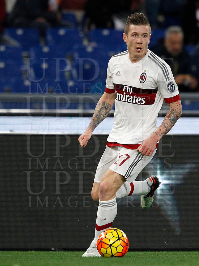 Calcio, Serie A: Roma vs Milan. Roma, stadio Olimpico, 9 gennaio 2016.<br /> AC Milan's Juraj Kucka in action during the Italian Serie A football match between Roma and Milan at Rome's Olympic stadium, 9 January 2016.<br /> UPDATE IMAGES PRESS/Riccardo De Luca