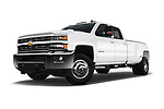 Stock pictures of low aggressive front three quarter view of 2017 Chevrolet Silverado-3500HD LT-Crew-DRW 4 Door Pickup Low Aggressive