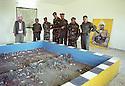 Irak 2002 Au camp des forces spéciales a Salahaddin, maquette des operations militaires   Iraq 2002 Special forces in Salahaddin, the operations room