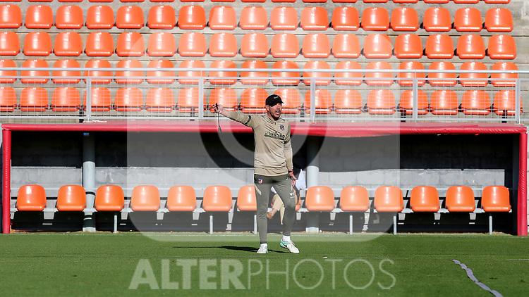 Atletico de Madrid's coach Diego Pablo Cholo Simeone during training session. October 7,2020.(ALTERPHOTOS/Atletico de Madrid/Pool)