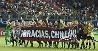 Chillán, Chile: American´s soccer team say hi to the public after the match against England, during the quarters-finals match, of the Fifa U-20 Women´s World Cup at the Nelson Oyarzún stadium in Chillán, on November 30, 2008. By Grosnia / ISIphotos.com
