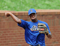 August 2, 2009: Infielder Alonzo Harris (16) of the Kingsport Mets, rookie Appalachian League affiliate of the New York Mets, before a game at Pioneer Park in Greeneville, Tenn. Photo by:  Tom Priddy/Four Seam Images
