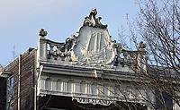 Nederland  Amsterdam - 31 december 2020.   Het Singel. Grachtenpand Vriesland. Attiek met zeilschip.     Foto : ANP/ HH / Berlinda van Dam