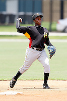July 13, 2009:  Second Baseman Gift Ngoepe of the GCL Pirates during a game at Tiger Town in Lakeland, FL.  The GCL Pirates are the Gulf Coast Rookie League affiliate of the Pittsburgh Pirates.  Photo By Mike Janes/Four Seam Images