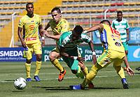BOGOTÁ - COLOMBIA, 26-01-2019:Hansel Zapata (Izq.) jugador de La Equidad  disputa el balón con Michael lopez(Der.) jugador del  Atlético Huila durante partido por la fecha 1 de la Liga Águila I 2019 jugado en el estadio Metropolitano de Techo de la ciudad de Bogotá. /Hansel Zapata (L) player of La Equidad fights the ball  against of Michael lopez (R) player of Atletico Huila during the match for the date 1 of the Liga Aguila I 2019 played at the Metroplitano de Techo  stadium in Bogota city. Photo: VizzorImage / Felipe Caicedo / Staff.