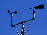 Weather vane with cup anemometer